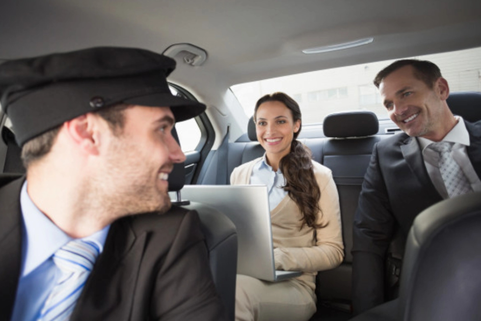 7 Reasons Why Airport Transfers Are Better For Business Travelers